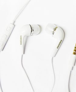 Tai-nghe-Samsung-A710-06
